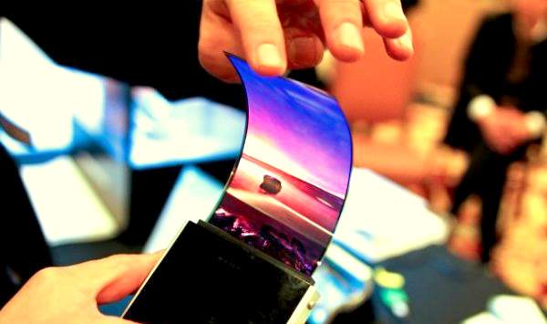 Samsung may bring flexible display smartphones in 2015