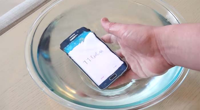finest selection d4650 0b94b Is Galaxy S6 Edge Waterproof? - Samsung Rumors
