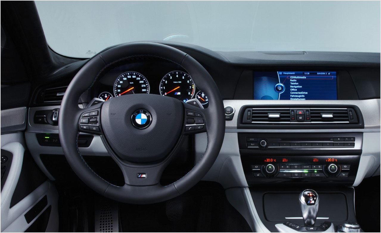 2012-Bmw-M5-Wallpaper-Dashboard
