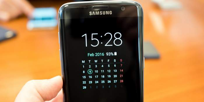 galaxy-s7-edge-always-on-calendar