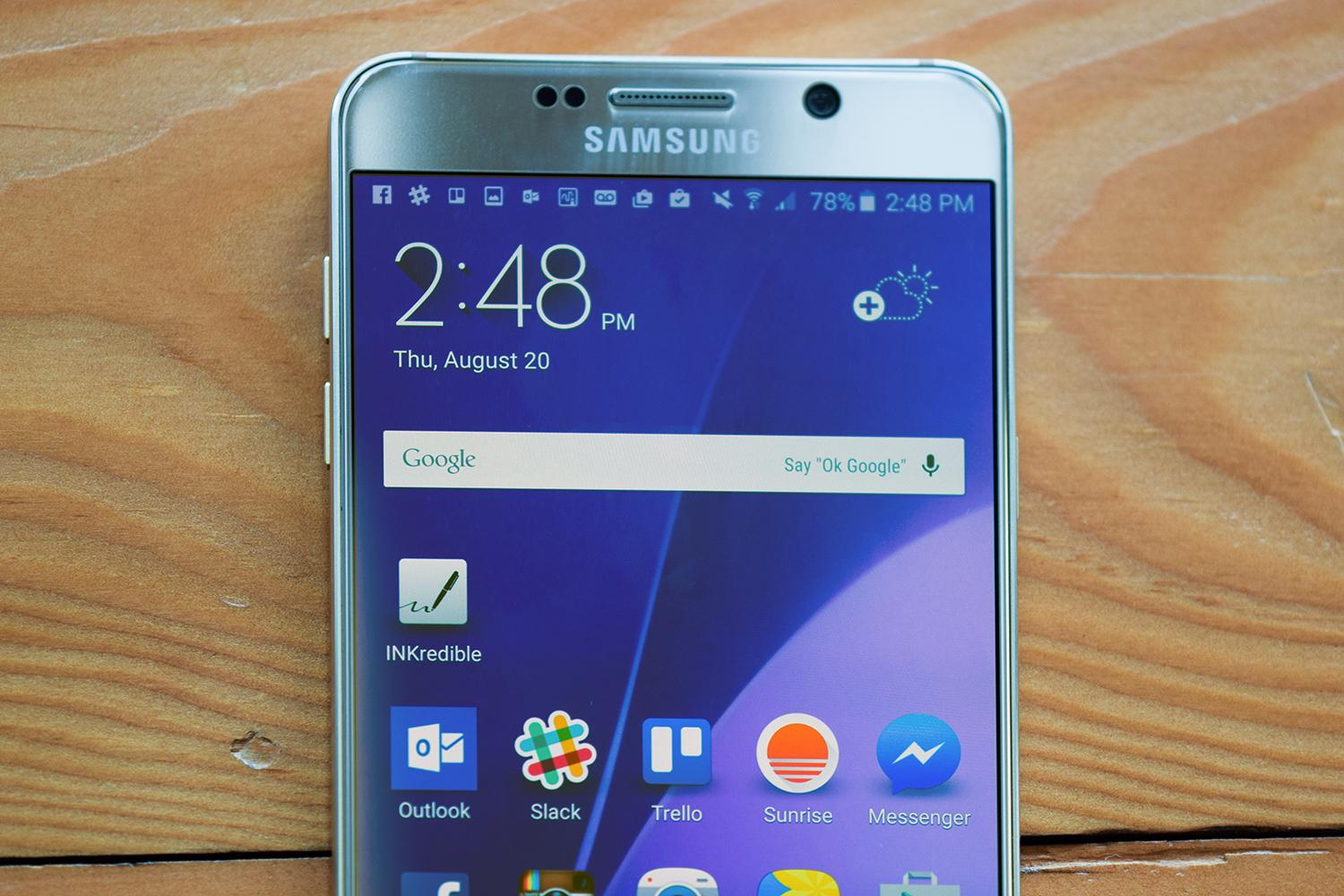 Samsung-Galaxy-Note-5-review-screen-macro
